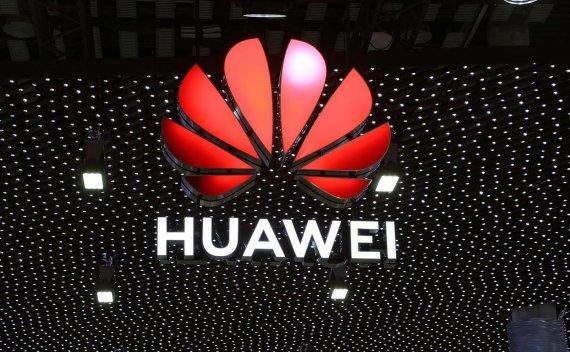 真香!美国商务部允许美国公司与华为合作 共同制定5G网络标准