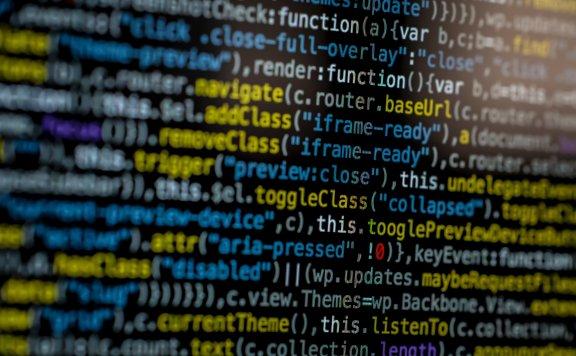 网站站长配合黑客在服务器中植入暗链,判 2 年